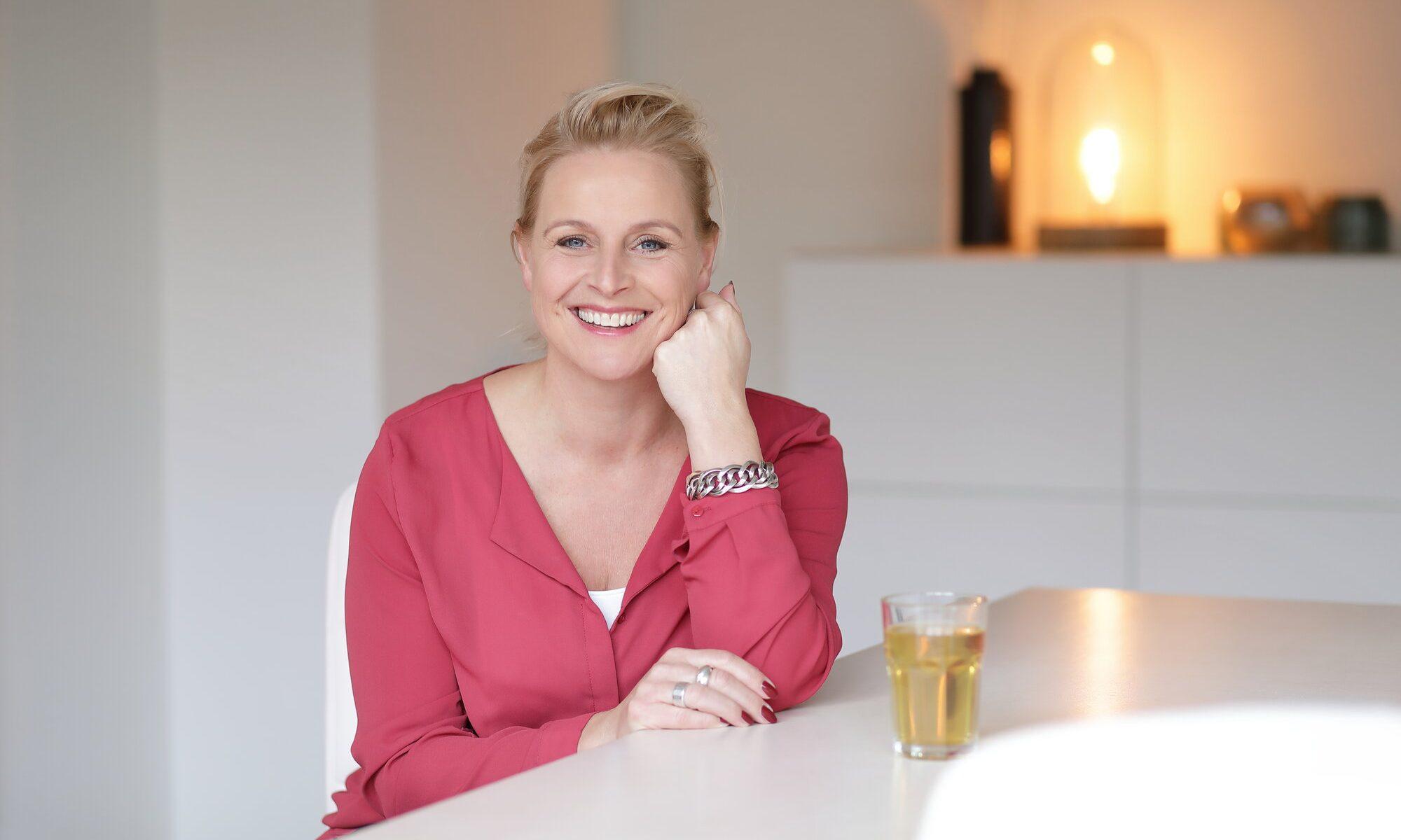 Suzanne van Emden Welkom Thuis miniportret